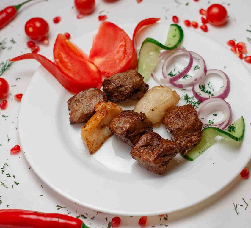 Шашлык из говядины -200р.
